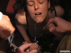 Hot amateur slut sucks off strangers at the night club